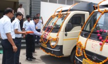 SBI Mutual Fund donates vehicles to Lucknow unit