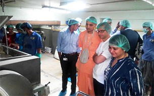 Managing Director of Deutsche Bank visits the Jaipur Kitchen