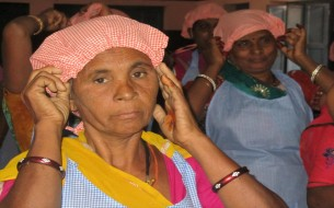 Cooks in Rajasthan learn to place cap on her head before cooking
