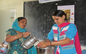 Haryana cook cum helpers learn how to wash hands thoroughly prior to cooking